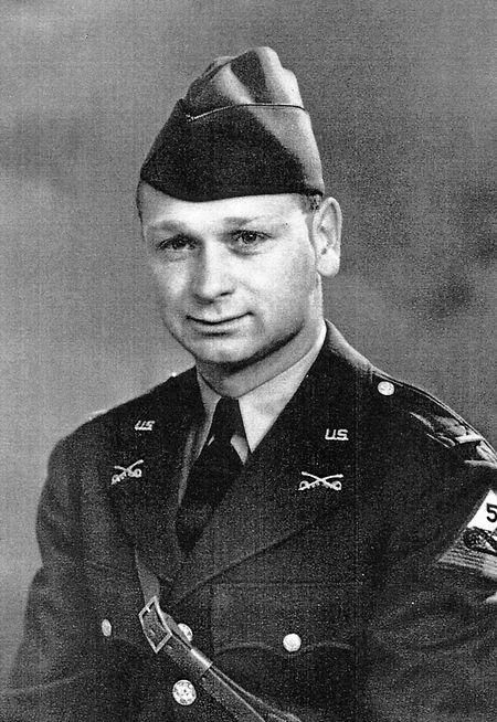 Robert Forrest war Captain in der US-Armee und befehligte eine Panzerkompanie. Er starb 2012 im Alter von 100 Jahren.