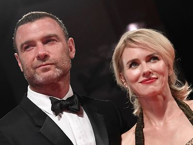 "(FILES) This file photo taken on September 2, 2016 shows actors Liev Schreiber and Naomi Watts posing on the red carpet before the premiere of the movie ""The Bleeder"" presented in competition at the 73rd Venice Film Festival at Venice Lido. Naomi Watts and Liev Schreiber announced their separation on September 27, 2016. / AFP PHOTO / TIZIANA FABI"