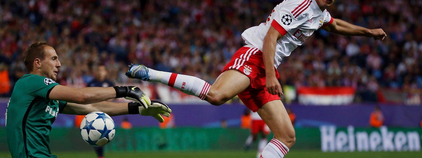 Gonçalo Guedes marcou o segundo golo do Benfica na vitória em Madrid