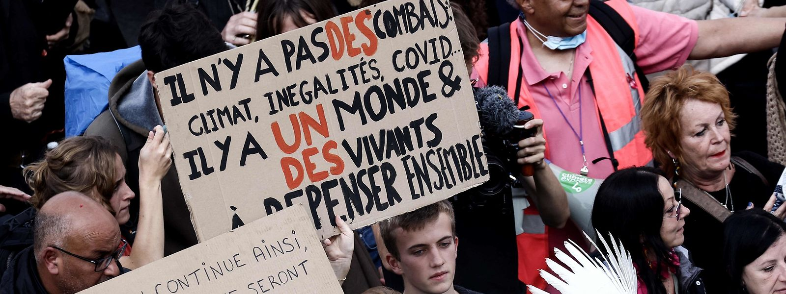 Dimanche à Bruxelles, la foule a mis la pression sur le gouvernement De Croo sur les questions environnementales.