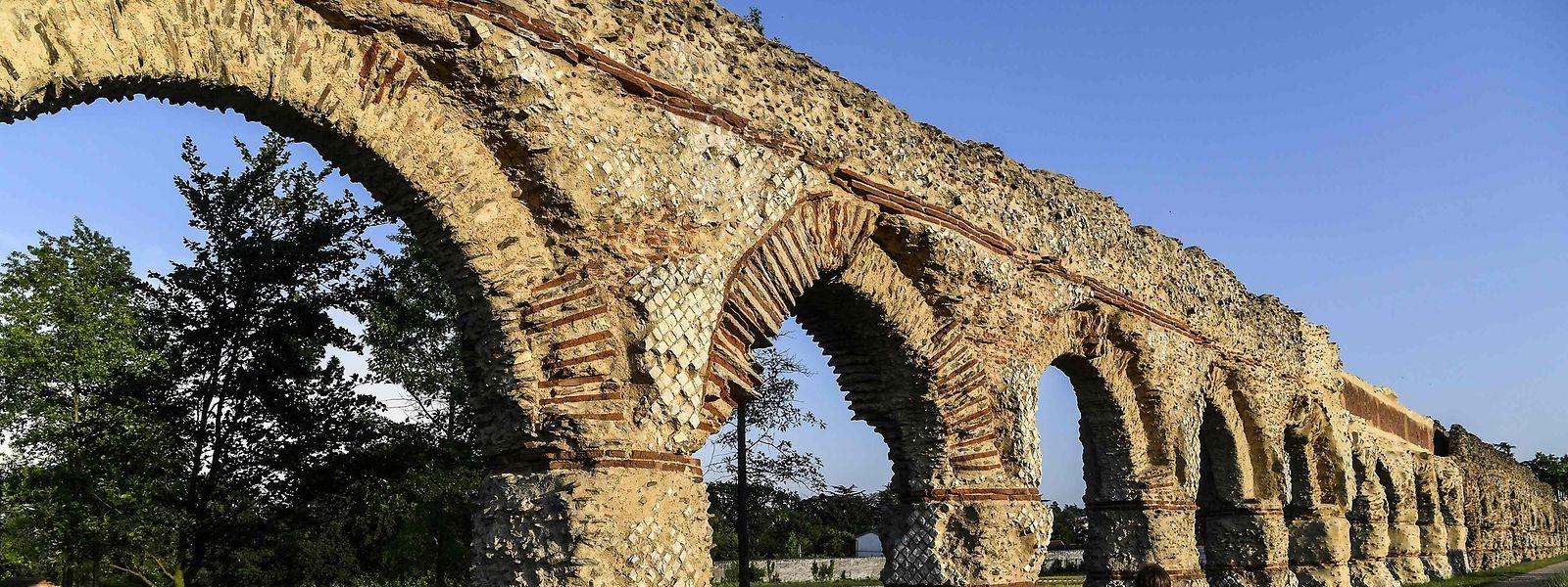 Das römische Aquädukt von Gier in der Nähe von Lyon ist eines der 18 Projekte, die über die Einnahmen einer Lotterie in Frankreich vor dem Zerfall geschützt werden sollen.