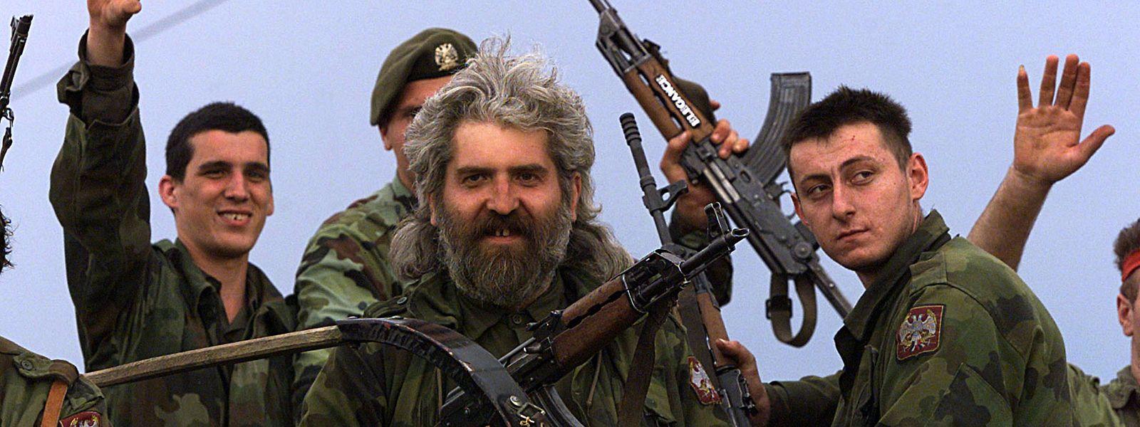 Juni 1991: Serbische Soldaten der jugoslawischen Bundesarmee vor den Toren Sloweniens.