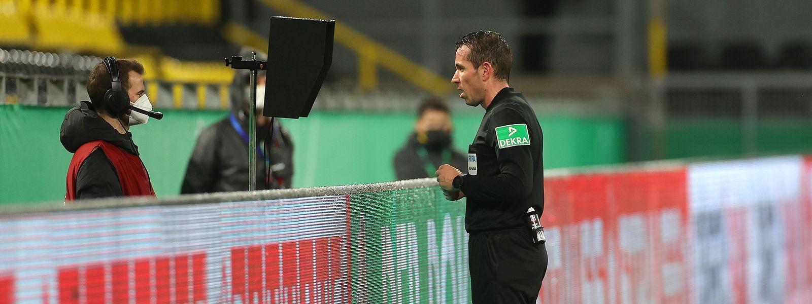 Die Entscheidungen von Schiedsrichtern wie Tobias Stieler sind nicht immer nachvollziehbar.