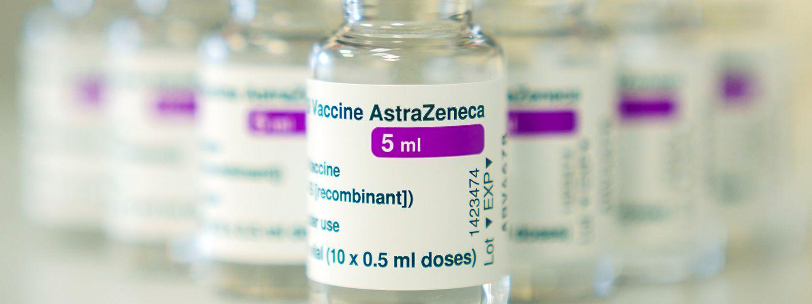 En Allemagne, l'Institut Paul-Ehrlich a répertorié 31 cas suspects de thrombose veineuse cérébrale avec neuf décès, sur 2,8 millions de doses AstraZeneca injectées.