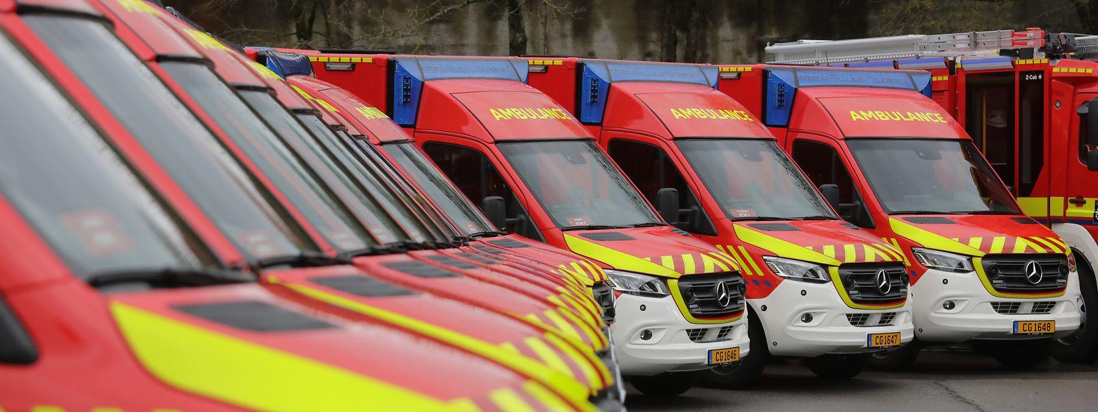 Die neuen Feuerwehrfahrzeuge und Krankenwagen für den CGDIS wurden am Freitagmittag in Lintgen vorgestellt.