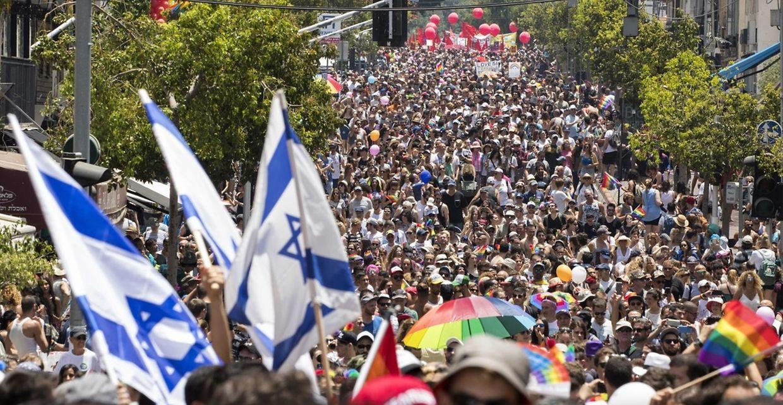 Über 200 000 Menschen feiern am Freitag in Tel Aviv ausgelassen auf der Gay-Pride-Parade