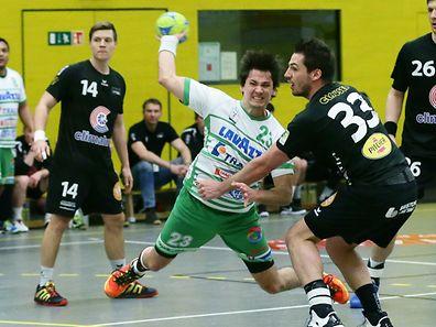 Björn Gerber und Berchem feierten gegen Tom Quintus (r.) und den HB Esch einen wichtigen Erfolg.