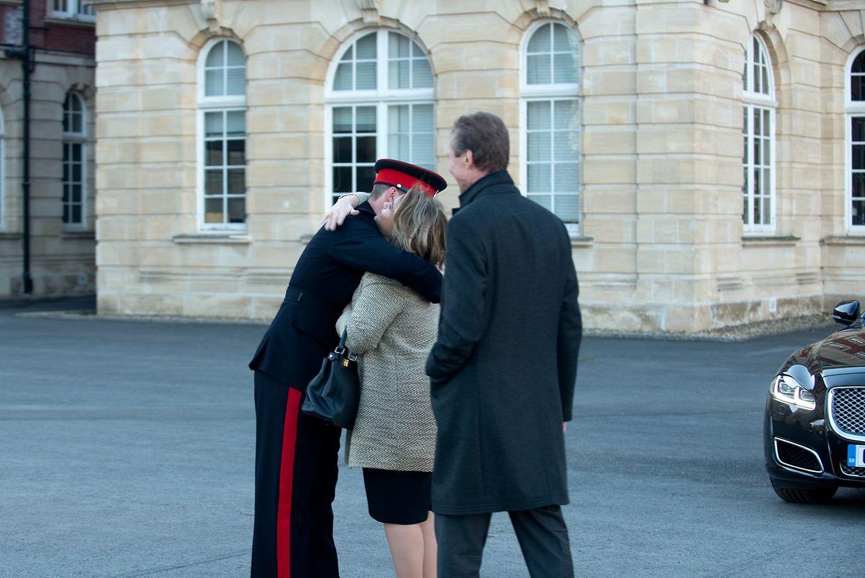 Prinz Sébastien und seine sichtlich stolzen Eltern.