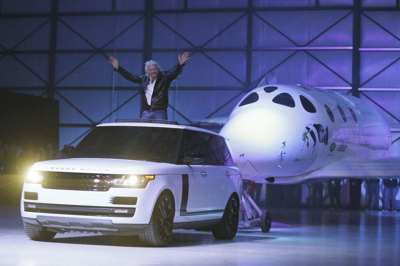 Richard Branson arrive avec le SpaceShipTwo
