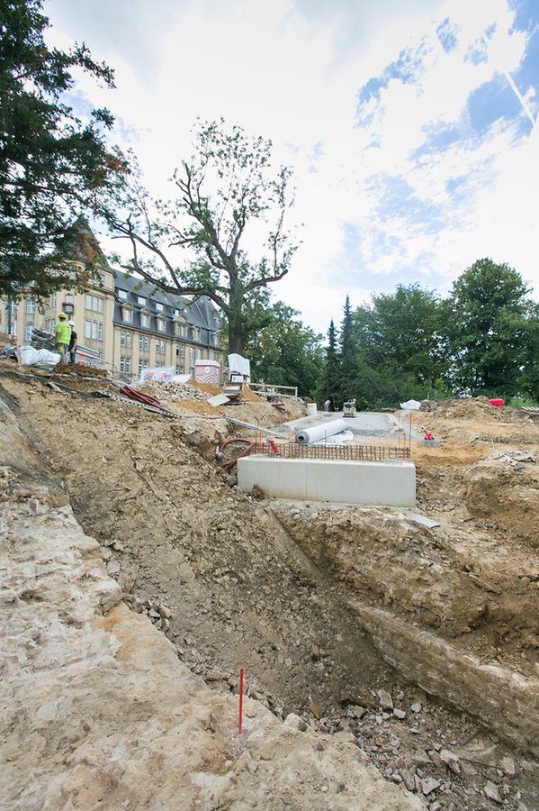Am Ausgang, zur Place de Metz hin, wurden Überreste des Fort Bourbon gefunden.