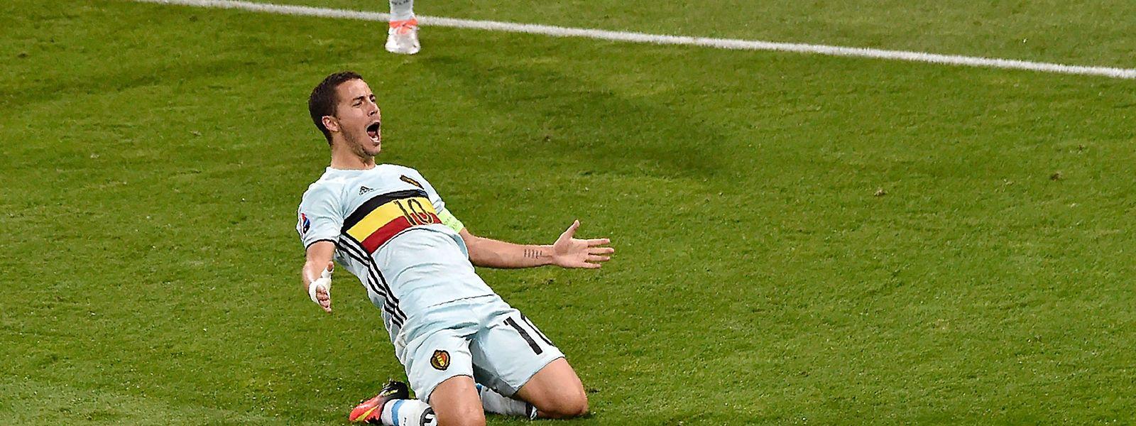 Eden Hazard feiert sein Traumtor zum 3:0.