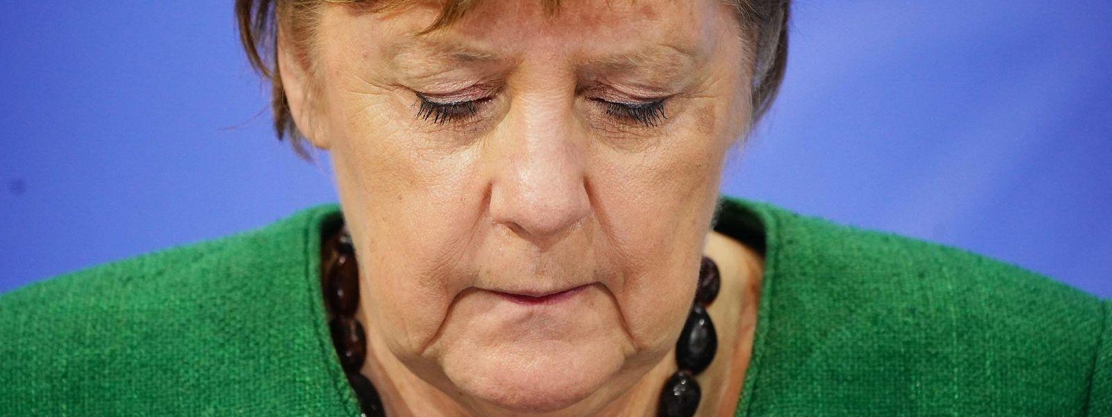 L'Allemagne subit une «nouvelle pandémie (...) clairement plus létale, clairement plus infectieuse, et plus longtemps contagieuse», a mis en garde la chancelière.