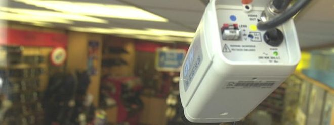Kameras sollen künftig ohne Genehmigung der Datenschutzkommission am Arbeitsplatz eingerichtet werden können.