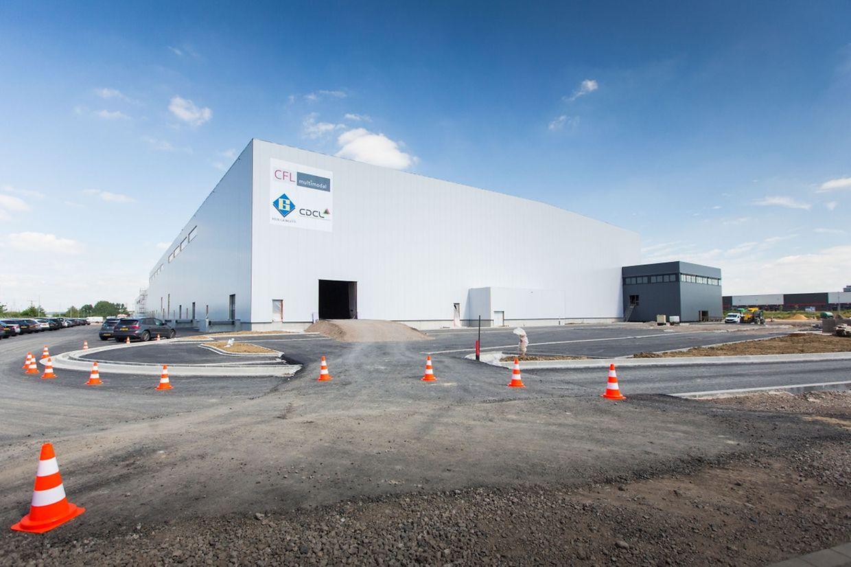 """Richtig imposant ist die neue Mehrzwecklagerhalle der CFL Multimodal, die derzeit beim neuen Logistikpark """"Eurohub Sud"""" entsteht."""
