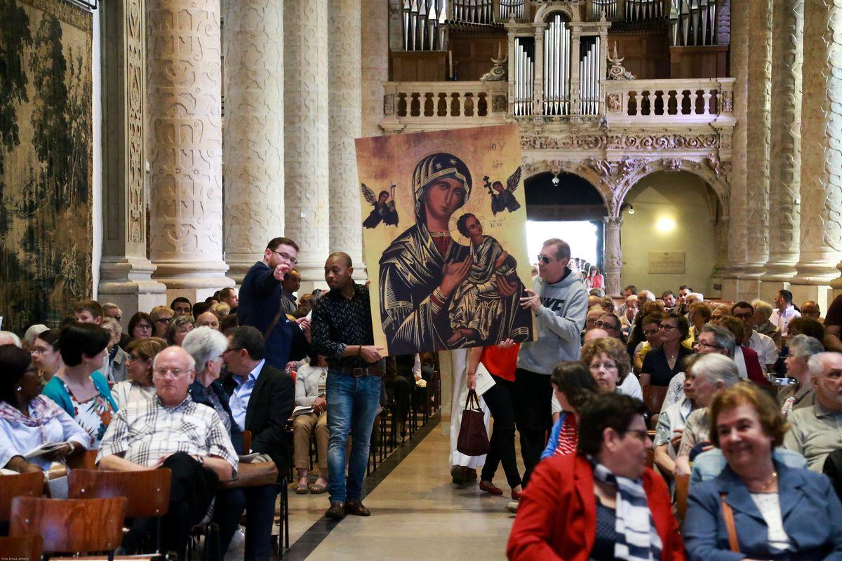 Um 10 Uhr wurde die Messe des Volk Gottes gefeiert.