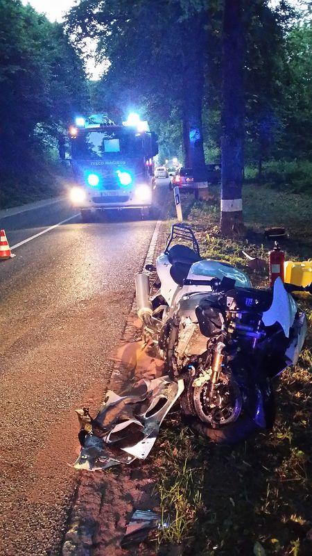 Le conducteur a été transporté à l'hôpital avec des blessures graves.