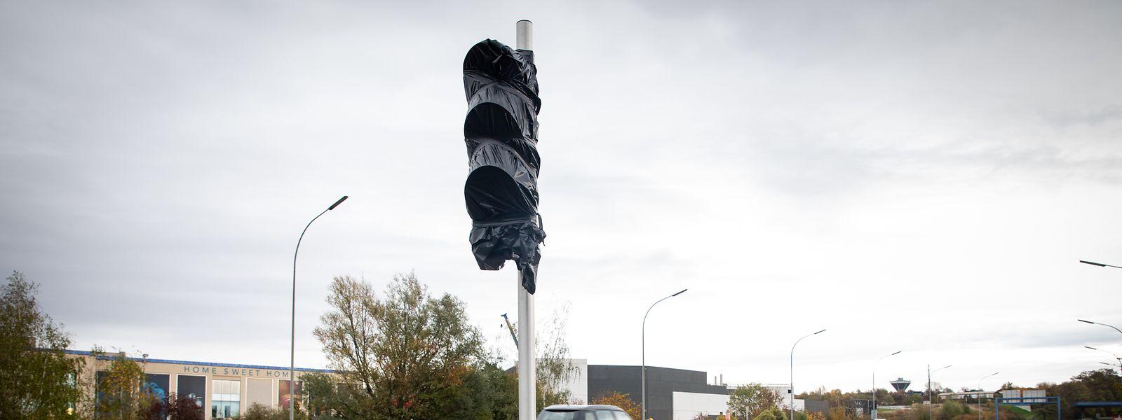 Les feux rouges sur les voies d'accès de l'autoroute A6 en direction de Luxembourg devraient durer au maximum 30 secondes.