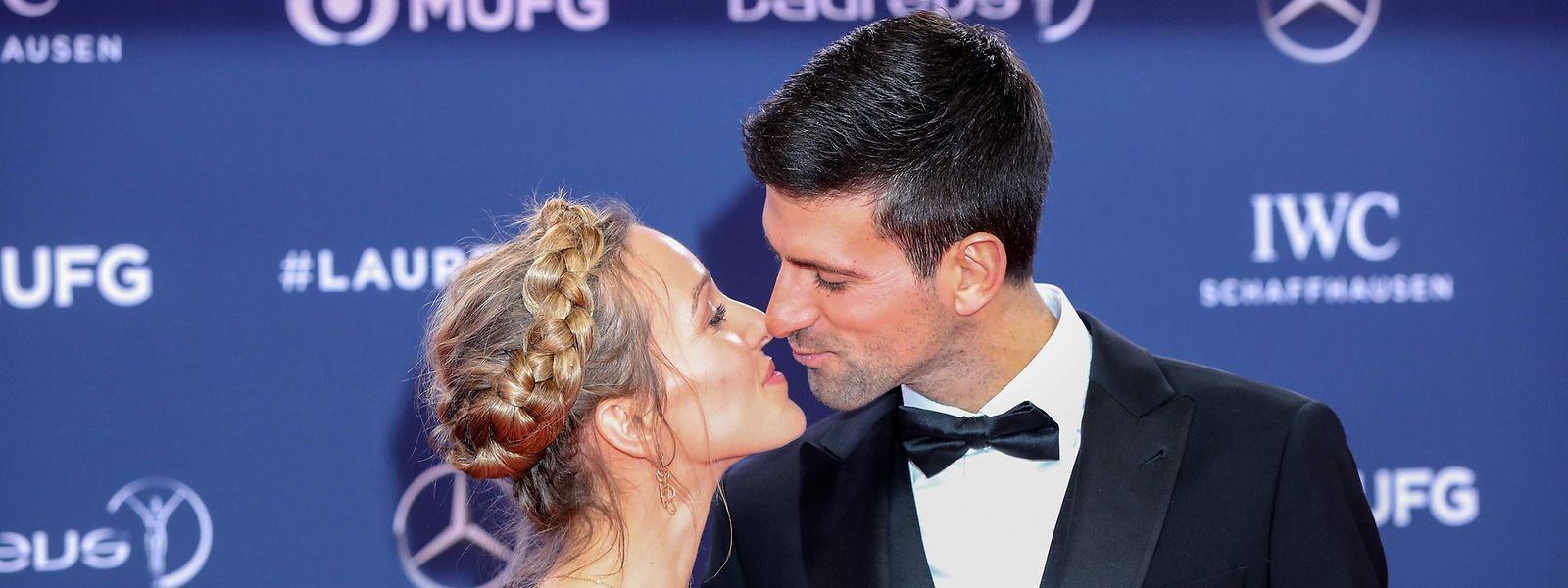 Als Belohnung gab es für Novak Djokovic auch einen Kuss von Frau Jelena.