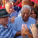 António Costa promete metade dos impostos a imigrantes que regressem