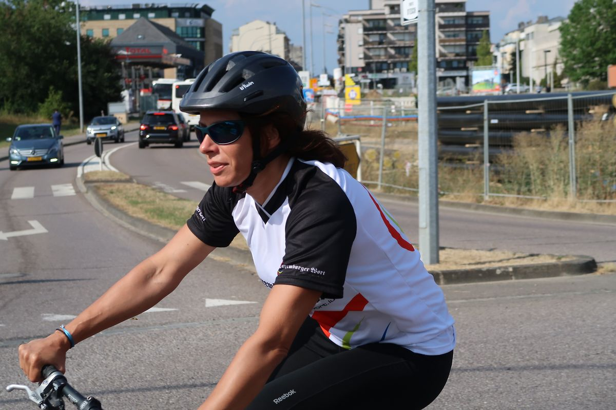 A la belle saison, circuler à vélo est agréable et les intempéries ne sont pas gênantes, sauf lorsqu'un vent fort souffle de face.
