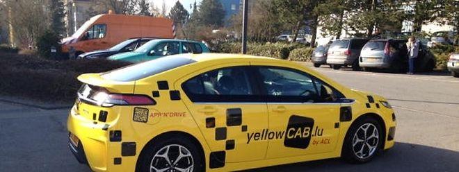 Der gefahrene Kilometer kostet im gelben Taxi 2,20 Euro und soll damit um einen Euro günstiger sein als die Konkurrenz.