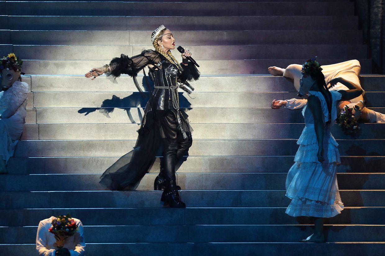 Madonna bei ihrem ESC-Gastauftrit.