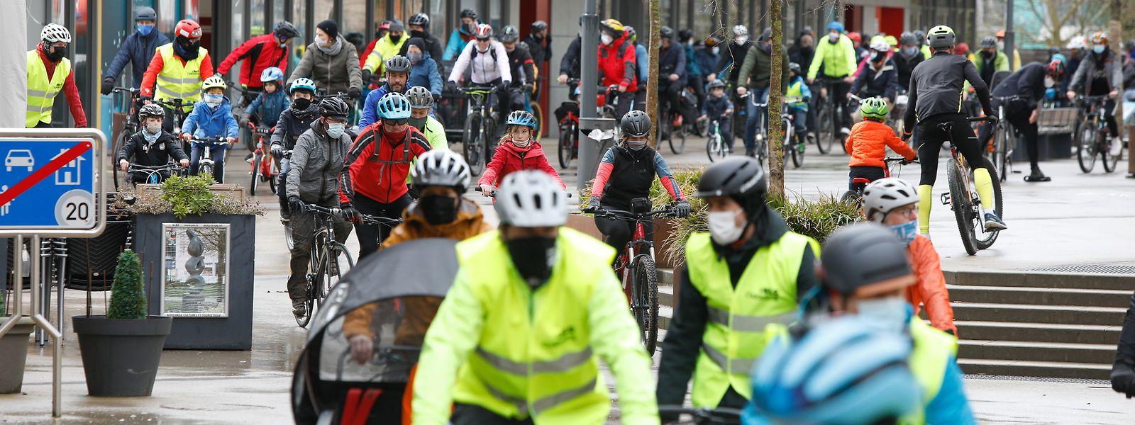 Die rund 150 Demonstranten wollten ein Zeichen für mehr sanfte Mobilität im öffentlichen Raum setzen.