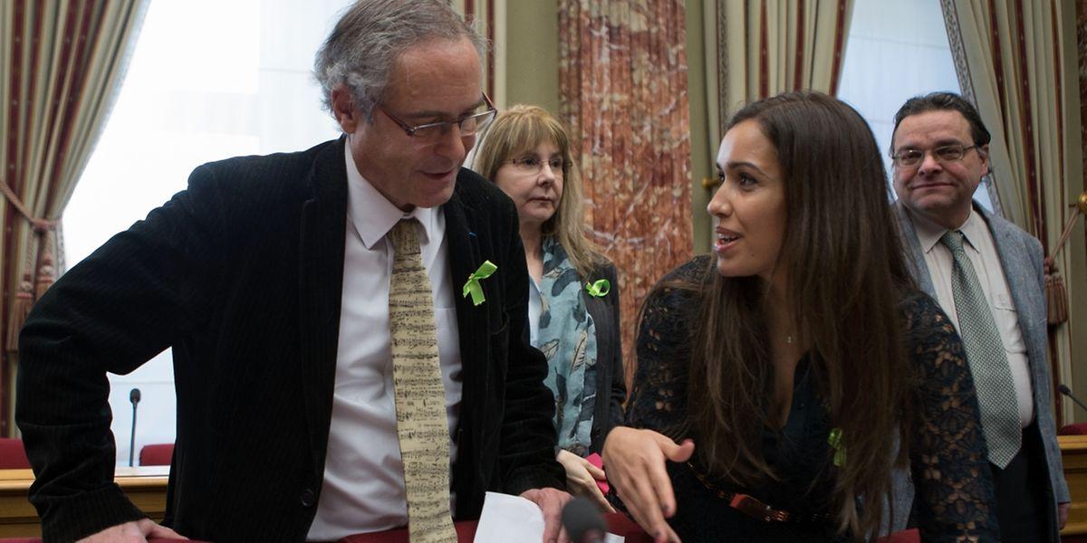 Tânia Silva fez-se acompanhar no debate pelo professor Christian Perrone (esq.), pelo bioquímico Marc Pauly e pela médica Aranzazu de Perdigo