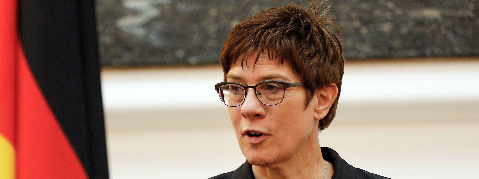 Annegret Kram-Karrenbauer, ministra da defesa alemã.
