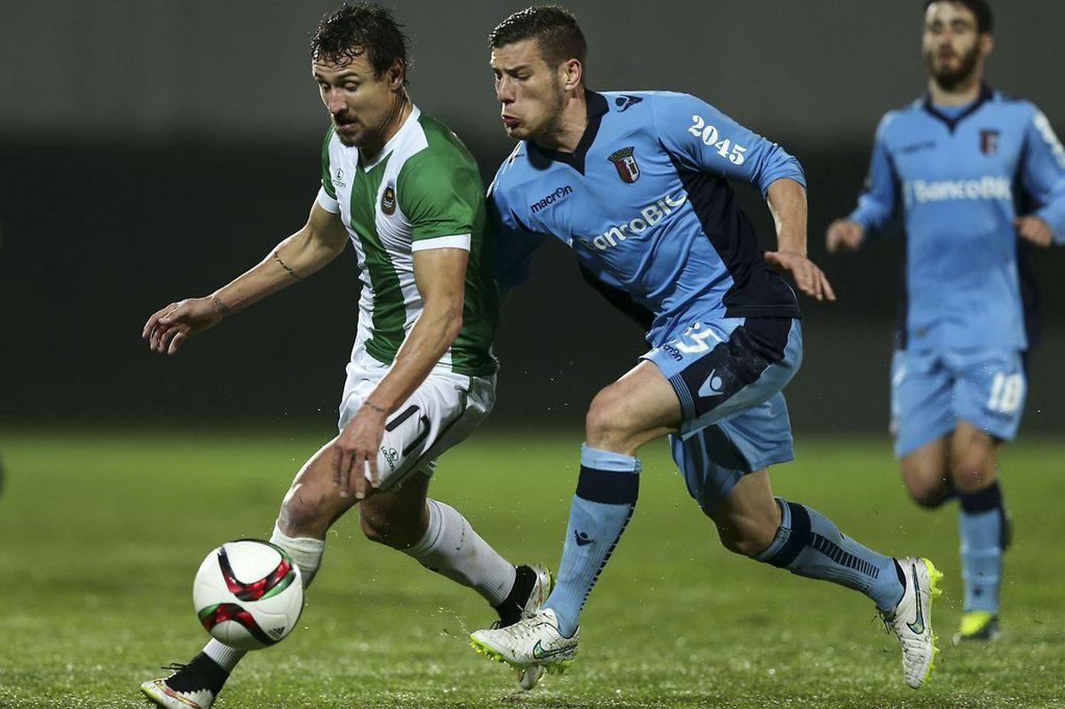 O Braga (de azul) venceu em Vila do Conde e quer chegar ao terceiro lugar