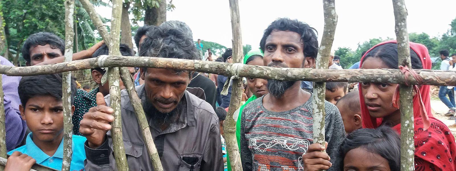 Rohingya-Flüchtlinge, die vor der Verfolgung nach Bangladesch geflüchtet sind.