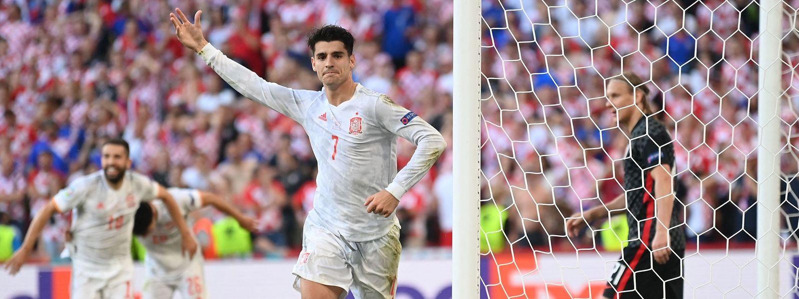 Spaniens Stürmer Alvaro Morata trifft in der Verlängerung.