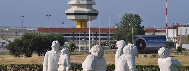 Até Julho de 2015, a companhia transportou de e para o aeroporto de Faro aproximadamente 1,8 milhões de passageiros.