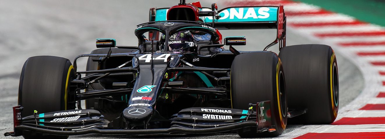 Mercedes' British driver Lewis Hamilton steers his car during the Formula One Styrian Grand Prix race on July 12, 2020 in Spielberg, Austria. (Photo by Mark Thompson / POOL / AFP)