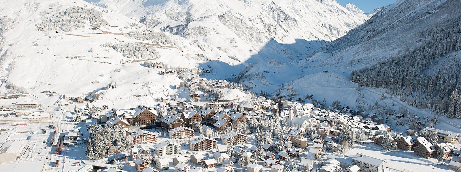 Der Schweizer Ort Andermatt erwacht derzeit aus seinem jahrzehntelangen Winterschlaf – und rüstet sich für die Touristenscharen, die in den kommenden Jahren erwartet werden.