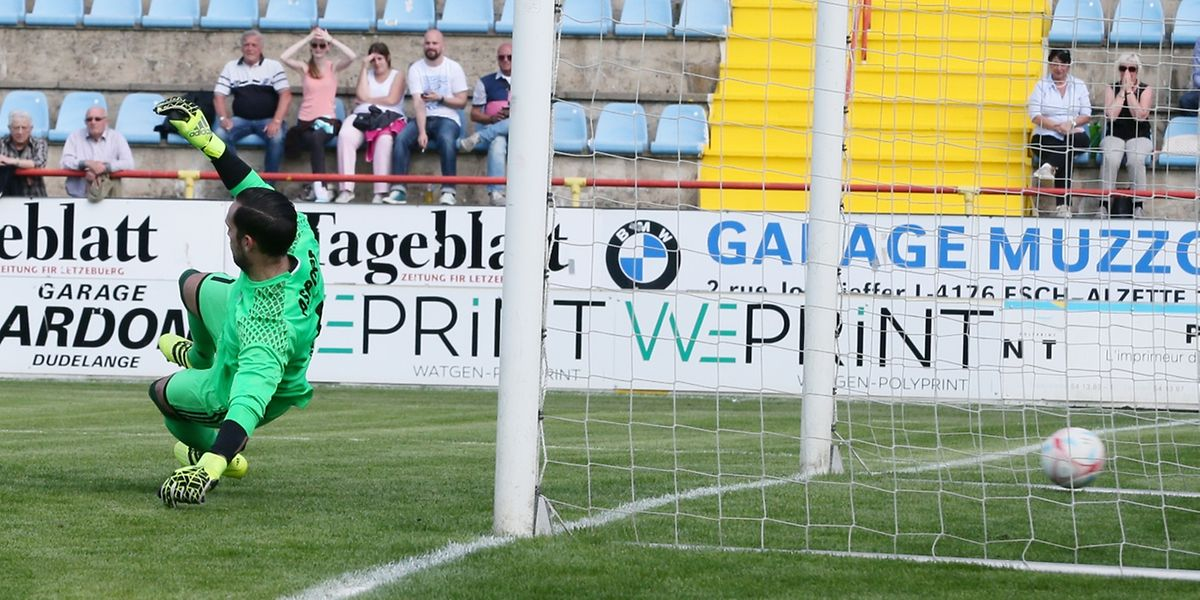 Sale après-midi pour Thomas Hym et le Fola. Le club doyen n'avait jamais encaissé cinq buts depuis son retour en BGL Ligue.
