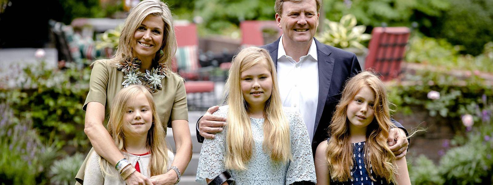 Zwei royale Familienmitglieder erschienen lädiert zum Fototermin.