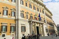 """Sitz des italienischen Abgeordnetenhauses: Der """"Palazzo Montecitorio"""" in Rom."""