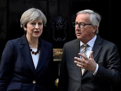 """Jean-Claude Juncker estime que Theresa May est """"dans une autre galaxie""""."""