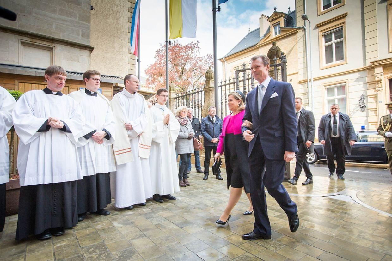 Oktave: Pontifikalamt mit Erneuerung der Weihe an die Trösterin der Betrübten