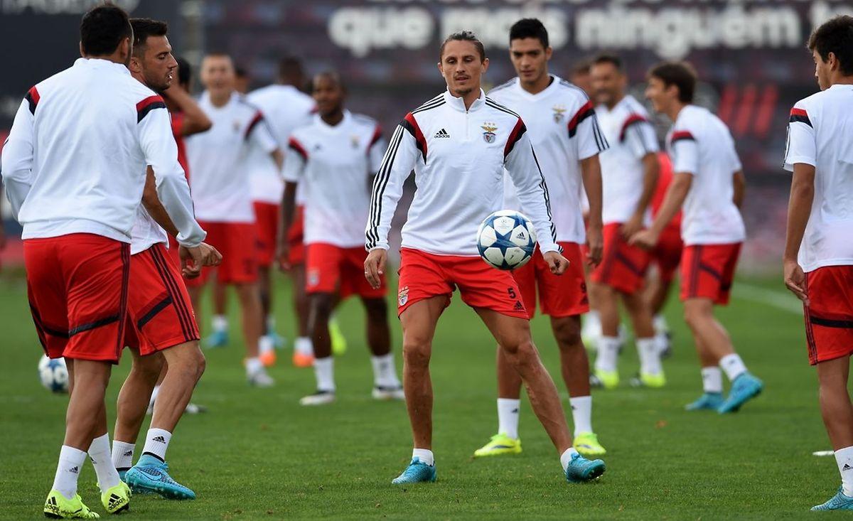 Les joueurs de Benfica, le Serbe Ljubomir Fejsa en tête, sont prêts à accueillir l'étonnant FC Astana à la Luz.