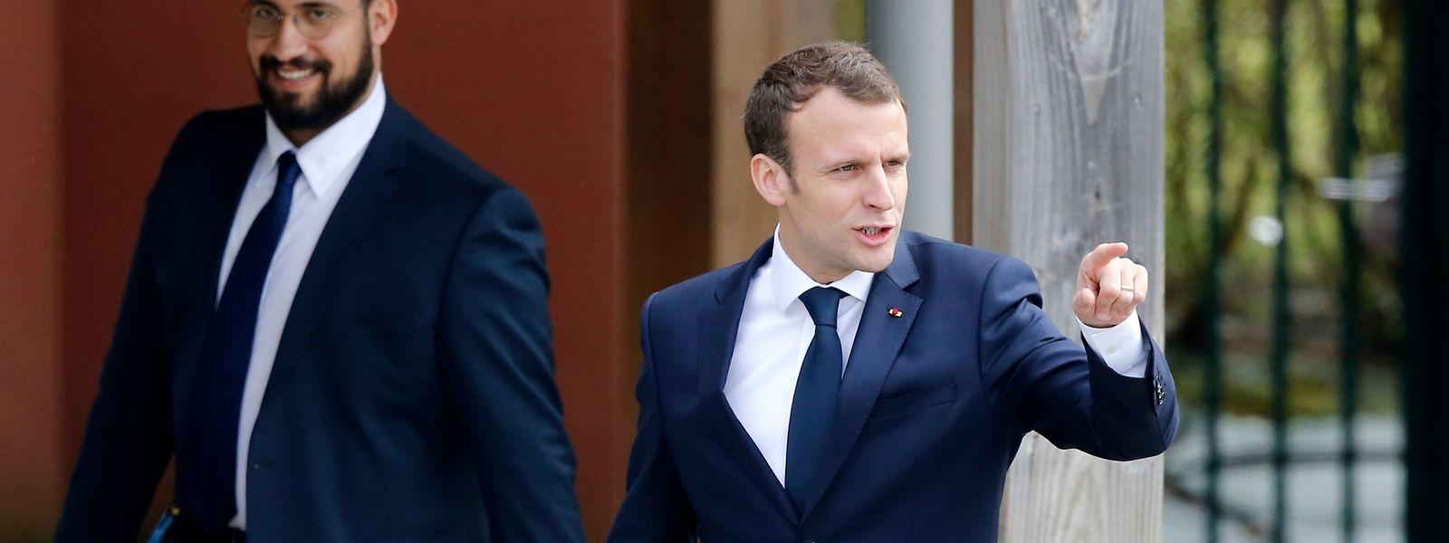 Der französische Präsident Emmanuel Macron (rechts) und sein früherer Sicherheitsmitarbeiter Alexandre Benalla.