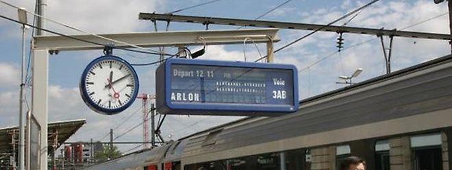 Les trains RB/RE Luxembourg – Kleinbettingen – Arlon sont substitués tous les jours par des bus qui prennent leur départ au quai 16 de la gare routière à Luxembourg.
