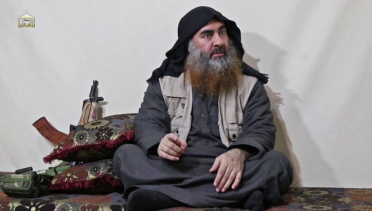 Abou Bakr al-Baghdadi s'est fait exploser avec sa «veste» chargée d'explosifs alors qu'il s'était réfugié dans un tunnel creusé pour sa protection.