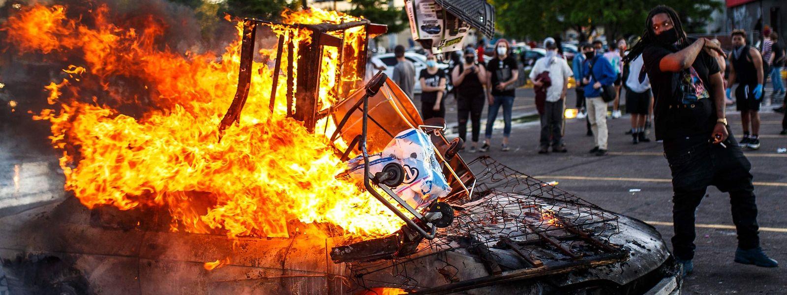 Nicht nur in Minneapolis im US-Bundesstaat Minnesota kam es zu schweren Ausschreitungen von Demonstranten.