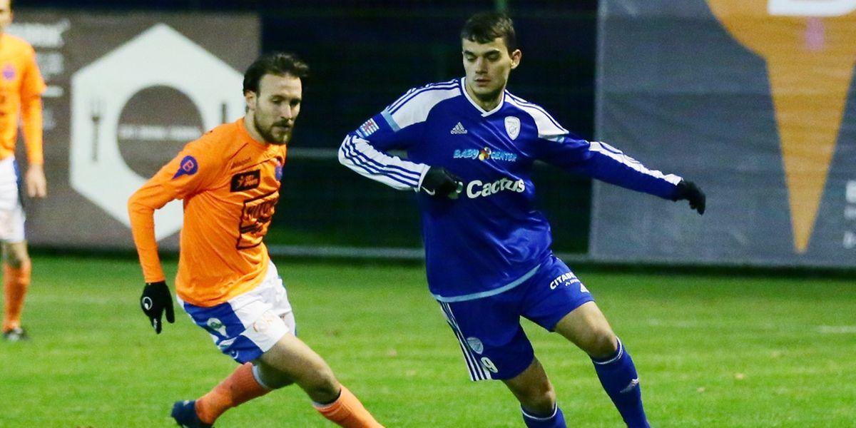 Danel Sinani et le RFCUL n'ont pas été mis en danger par le FC Lorentzweiler de Ricardo Centrone.