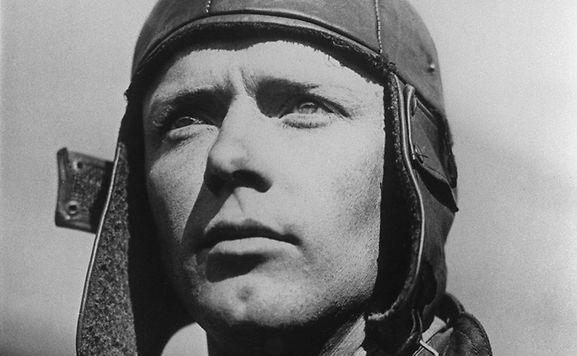 Le bonnet d'aviateur de Lindbergh aux enchères