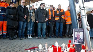 Gedenkfeier Kerzenandacht fuer den toten Zugfuehrer / Foto: Joaquim VALENTE