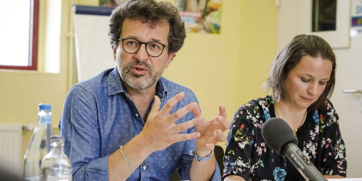 """Jean-Louis Zeien und Geneviève Krol von """"Fairtrade Lëtzebuerg"""" können von einer guten Entwicklung sprechen, hoffen aber auf mehr."""