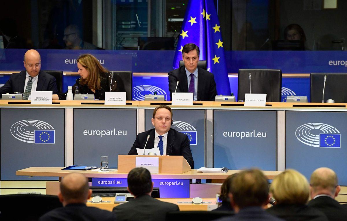 Oliver Varhelyi a été adoubé en tant que nouveau commissaire européen à l'Elargissement.